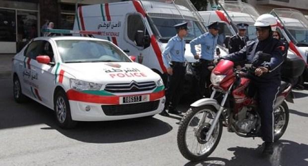 """مواطنون يضبطون شرطيا تسلق سور """"فيلا""""، والأمن يحقق في القضية"""