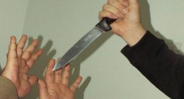 عاااجل بأكادير: تلميذ يهدد أستاذة بسكين وسط القسم، والأخيرة تصاب بهسيريا كبيرة
