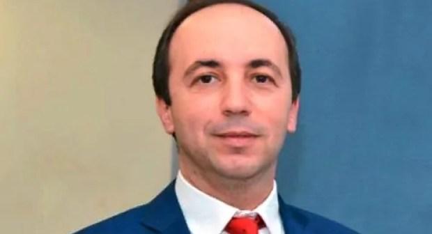 نائب برلماني عن « البيجيدي »، يفجر فضيحة في وجه وزير الصحة