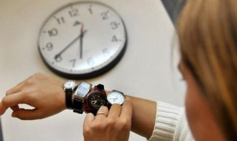 رسميا: مقترح قانون لتثبيت الساعة القانونية بالمغرب يتقدم به نواب من البام.