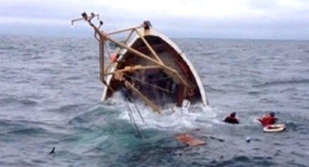 مأساة:هيجان البحر يتسبب في غرق بحار وفقدان أخر كانوا في رحلة صيد