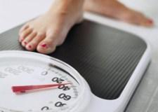 لماذا يزيد وزن البعض في رمضان رغم الصيام؟