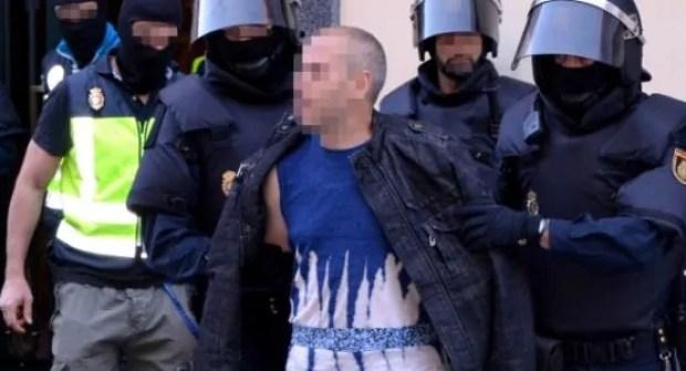 """بالصورة:الأمن يسقط بارون مخدرات """"روشيرشي""""، وبحوزته مليار ونصف من العملة الصعبة"""