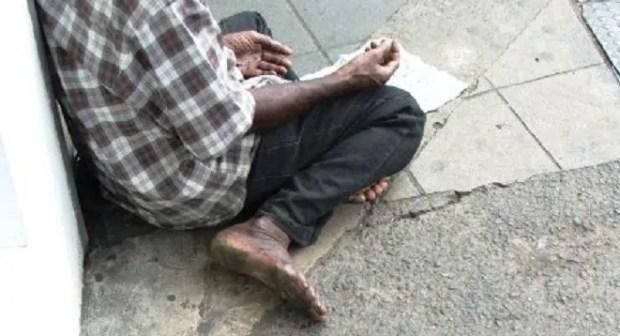 أعين السلطات تطارد المتسولين والمجانين بشوارع إنزكان.