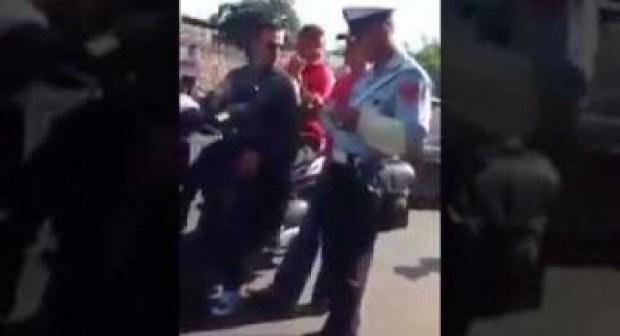 شرطي يستحق كامل التقدير بعدما رفض الوساطة و أصر على تطبيق القانون