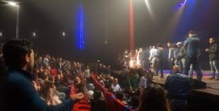 """مهرجان """" للضحك فقط"""" بأگادير: جنبات مسرح الهواء الطلق ممتلئة عن آخرها"""