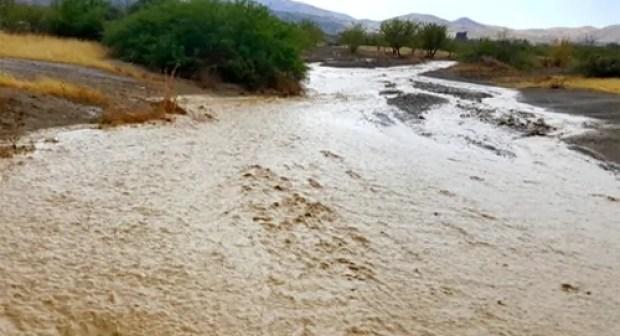 في عز فصل الصيف.. أمطار رعدية تضرب عددا من المناطق المغربية و تتسبب في حدوث فيضانات مهولة