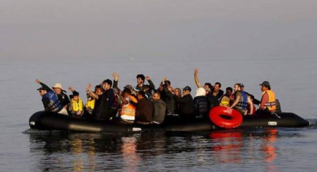 بعد مقتل حياة:البحرية الملكية تطلق النار مرة أخرى على قارب به 50 مغربيا وتصيب قاصرا