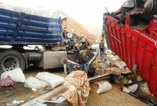 شاحنة لجمع الازبال تقتل ضابطا وترسل آخر إلى المستعجلات في حالة حرجة