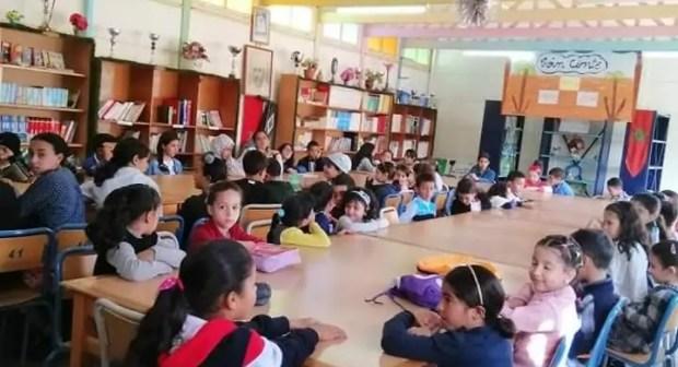 اطفال مدرسة المختار السوسي بانزا يستفيدون من دورة تكوينية حول مهارة القراءة