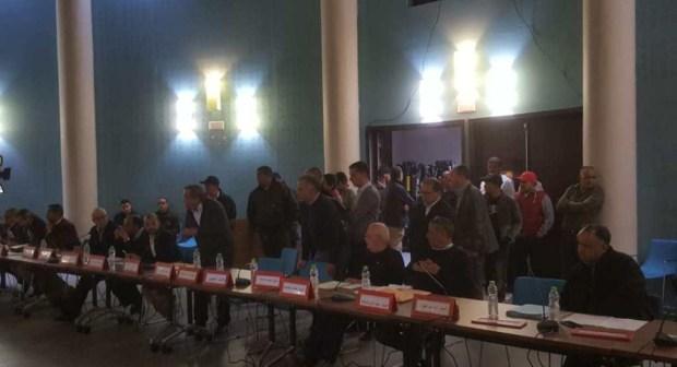 المعارضة بالمجلس الجماعي لأكادير تصدر بيانا تكشف من خلاله حيثيات الانسحاب من دورة فبراير في جلستها الثانية