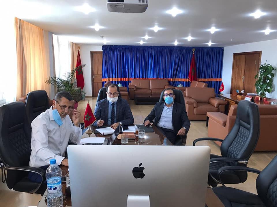 حافلات ذات الجودة العالية تقترب من أكادير : اجتماع رسمي برئاسة الوالي يدرس المسارات، و يقدم مقترحات.
