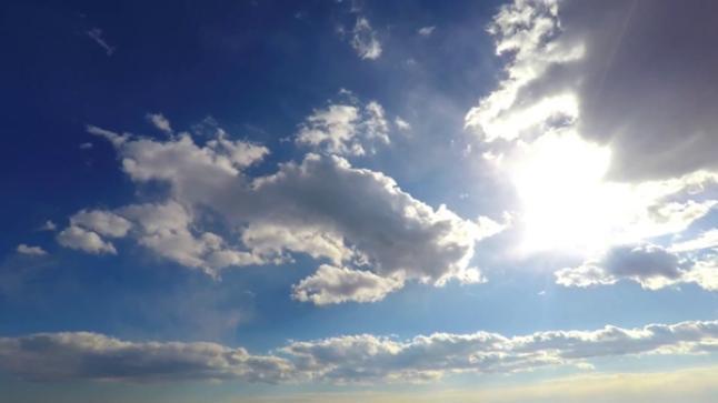 توقعات أحوال الطقس ليوم الخميس بسوس وباقي مناطق المملكة