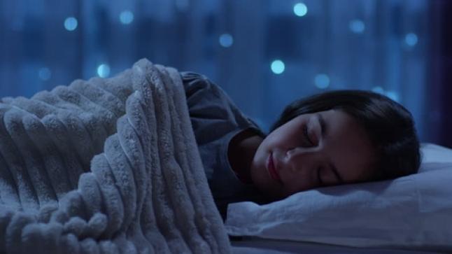 دراسة جديدة تكشف تأثير التفاؤل والتفكير الإيجابي على النوم