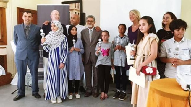 الرباط: تلميذة من تيزنيت تتوج بجائزة الكتابة الإبداعية باللغة الأمازيغية