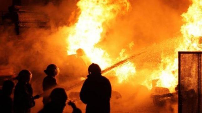 الوقاية المدنية تسابق الزمن لإخماد حريق سوق حي سيدي يوسف بأكادير