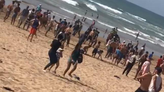 في زمن كورونا.. مواطنون يخرقون حالة الطوارئ الصحية باختيار الشواطئ للترفيه عن النفس (فيديو)