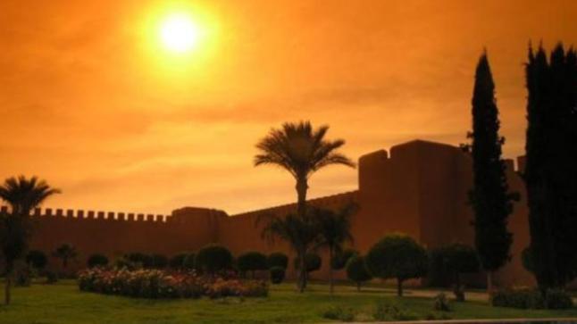 استمرار أجواء الطقس الحار بسوس وعدد من مناطق المملكة غدا الإثنين