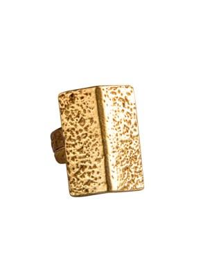 Χειροποίητο δαχτυλίδι από ορείχαλκο. Καταπληκτικό δαχτυλίδι pyramid που θα σας ενθουσιάσει. Ρυθμιζόμενη γάμπα για όλα τα μεγέθη. Όλα τα κοσμήματα Agapi concept μένουν αναλλοίωτα αφού έχουν εμβαπτιστεί σε ειδικά βερνίκια. Τα δαχτυλίδια είναι από τα πολύ αγαπημένα κοσμήματα για τις γυναίκες, αφού έχουν το πλεονέκτημα να είναι ορατά ανά πάσα στιγμή και να στολίζουν όμορφα τα χέρια. Επιλέξτε αυτό που ταιριάζει καλύτερα στην προσωπικότητα σας και απογειώστε όλα σας τα outfit.
