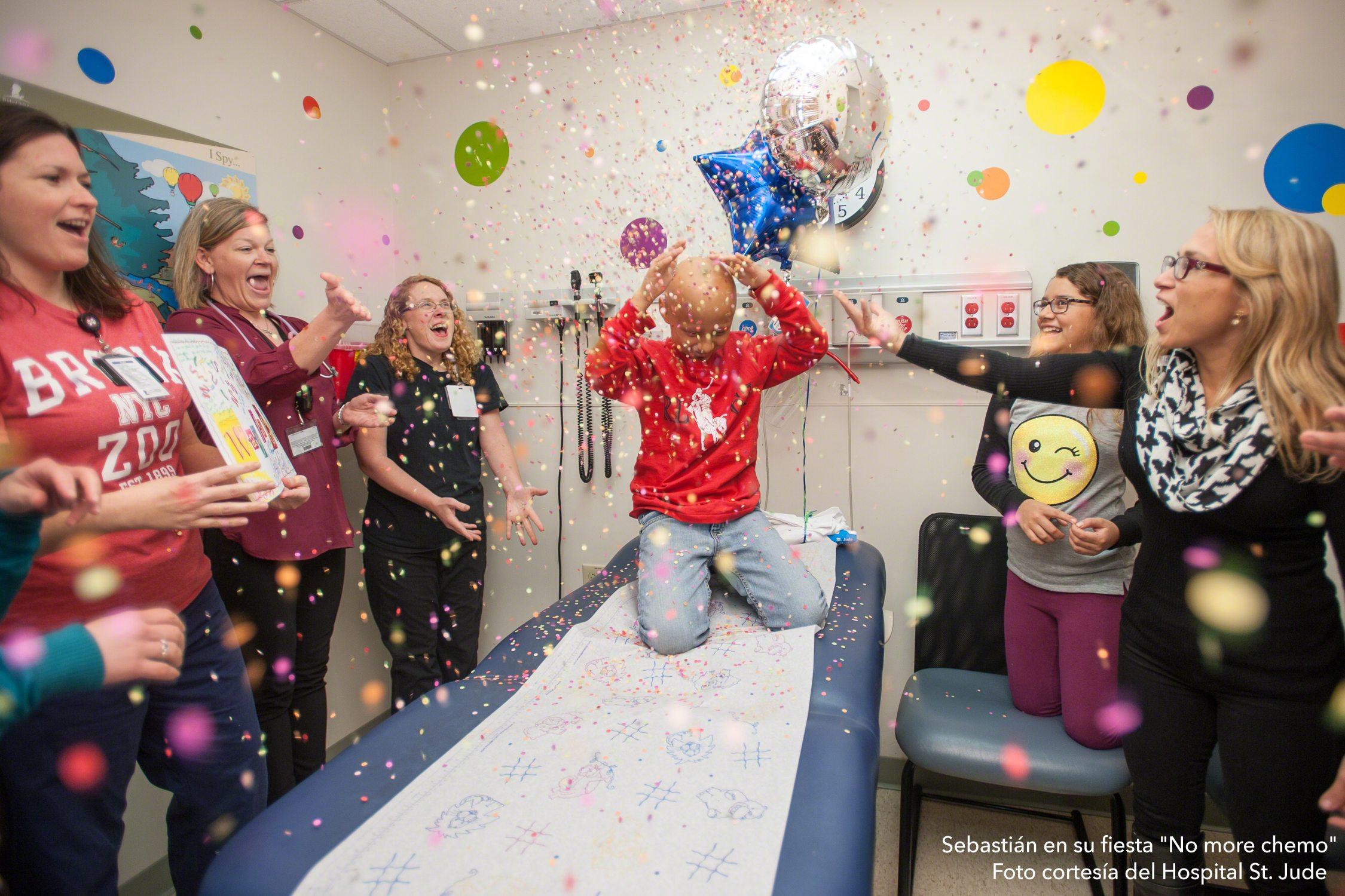 """Sebastián en su fiesta """"No more chemo"""", foto cortesía del Hospital St. Jude"""