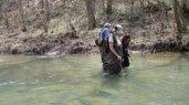 KY-agate-hunters-in-creek