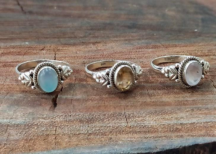 Anéis Indianos trabalhados com Pedras Naturais