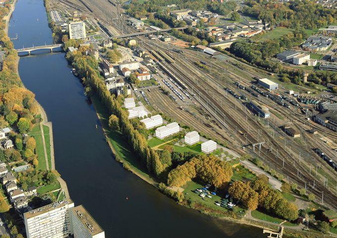 Insertion du site dans son site; vue depuis le côté Moselle