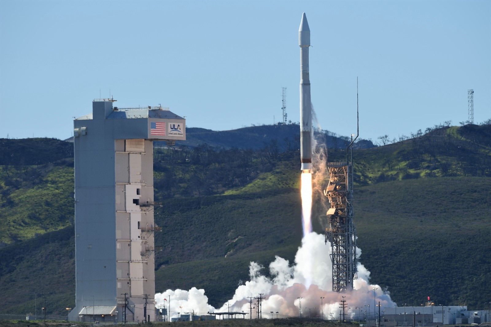 Atlas-V / NROL-79 launch