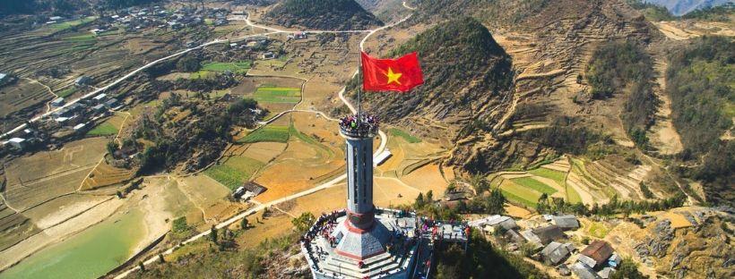 Tour du drapeau de Lung Cu voyage au Vietnam en moto