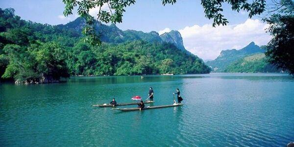 randonnée au Vietnam au lac de Ba Be