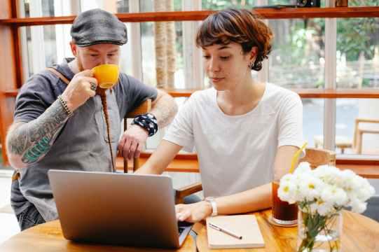 Contact Toulouse ou Tarn pour l'agence Com Sweet Com - Crédit photo Photo : Tim Douglas pour Pexels.com