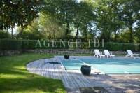 812 TBI Morbihan Vannes Longére en pierre avec piscine proche Rennes Nantes Vannes Rochefort en Terre à la campagne