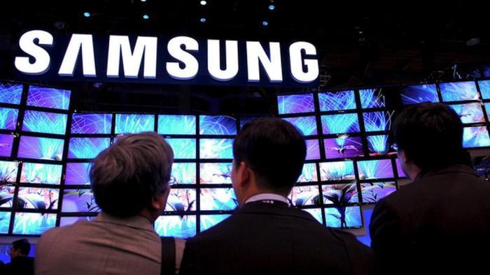 Samsung sprænger rammerne for, hvor meget virksomheden spenderer på markedsføring. En voldsom stigning i salgsfremmende omkostninger, gør antageligt Samsung til verdens i øjeblikket største annoncør.