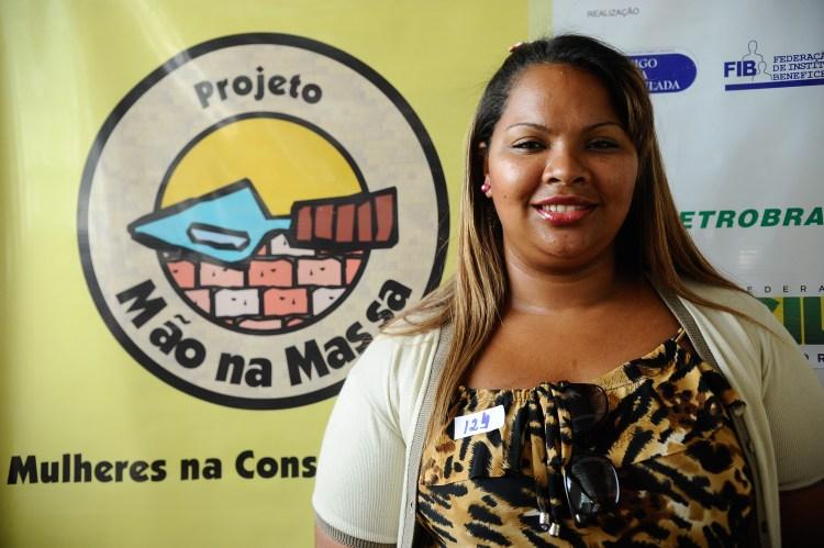 O Projeto Mão na Massa abre inscrições para mulheres de baixa renda que queiram fazer cursos gratuitos na área da construção civil