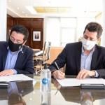 """Leo Nardini y """"Wado"""" de Pedro firmaron un convenio para paliar la situación sanitaria y social en Malvinas Argentinas"""