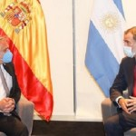El Presidente Fernández, ya en Bolivia, analizó con Felipe VI la necesidad de incrementar lazos entre España y América Latina