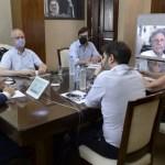 Kicillof se reunió con intendentes y el Comité de Expertos. Pidió fortalecer los cuidados ante el estancamiento en la caída de casos