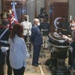 El cortejo fúnebre fue recibido en el Congreso por la vicepresidenta y presidenta del Senado Cristina Fernández de Kirchner