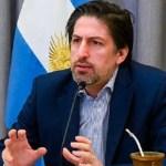 """Ministro Trotta: """"Es necesario continuar con el distanciamiento social en las aulas"""""""