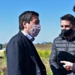 El ministro Leo Nardini recorrió obras y entregó escrituras en Castelli