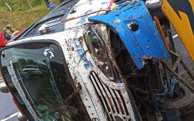 15 heridos en accidente en vía panamericana norte se popayán, sector la cabuyera