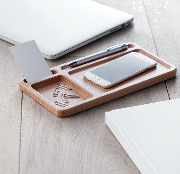 Organizador de escritorio con cargador inalámbrico