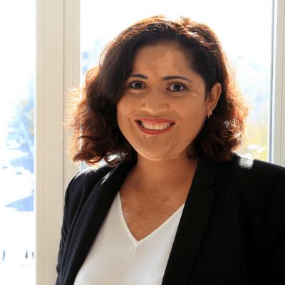 Karina Castro Ceferino-Marketing Digital y Estrategia de Negocios - Coach