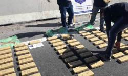 Gendarmería detuvo micro que  transportaba 200 kilos de Marihuana