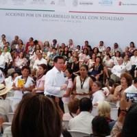 """Gobierno Federal """"va por delincuentes que operan en Iguala"""": Osorio Chong"""