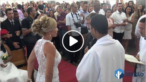 Vídeo: Casamento coletivo une 54 casais em Guanambi