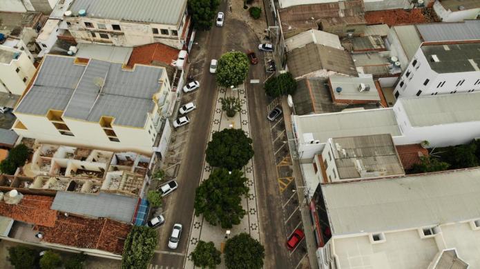 Imagens aéreas mostram Guanambi quase sem movimento devido a distanciamento social