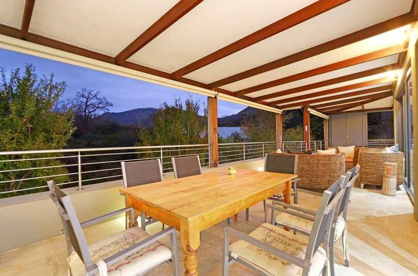 Spacious Three Bedroom Self Catering Holiday Villa Constantia