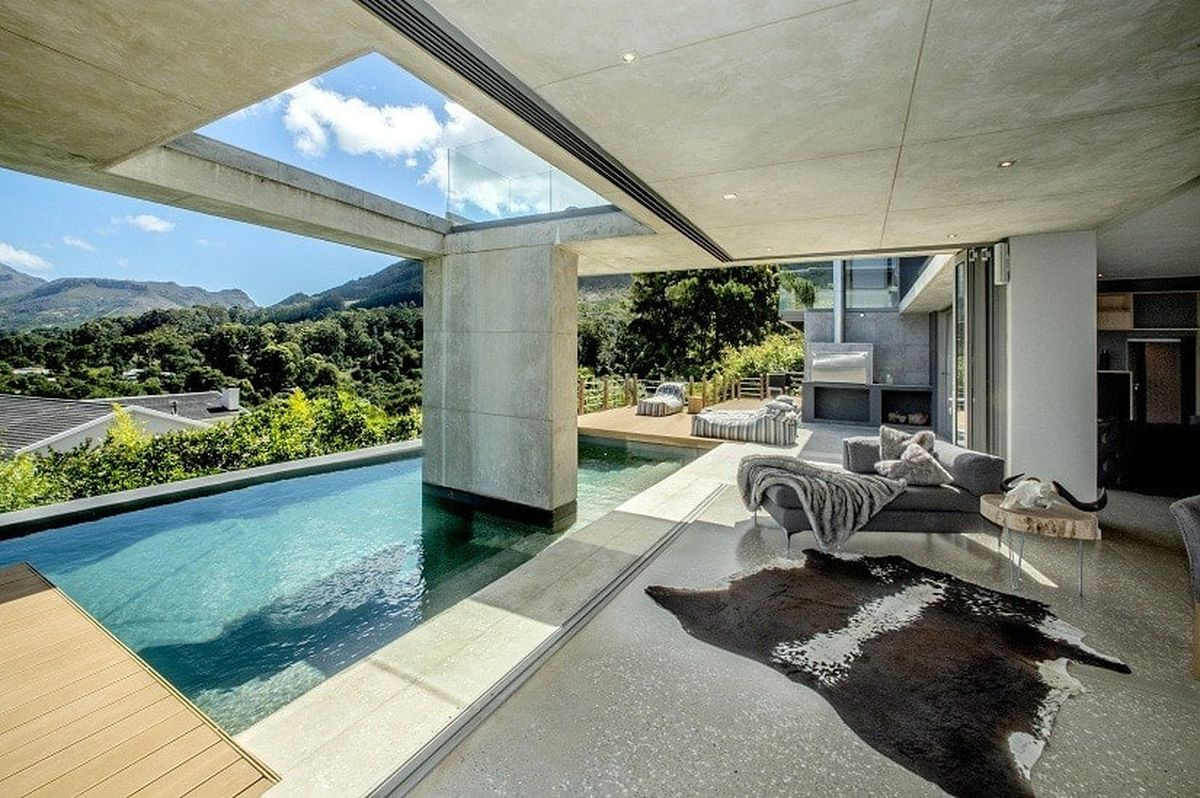 Constantia Five Bedroom Self Catering Holiday Home