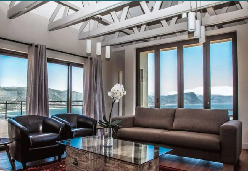 3-bedroom-stylish-HOLIDAY-HOUSES-IN-SIMONSTOWN-CAPE-TOWN